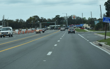 Both directions of traffic are shifted to the west side of the US 19 corridor near Yulee Drive (2/19/20 photo)