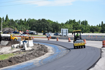 Paving the new ramp onto northbound I-75 from westbound SR 60 (4/28/2020 photo)
