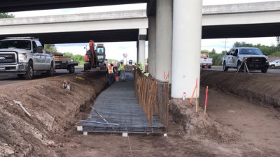 Installation of pier protection wall under I-75 at SR 674 --- April 2020